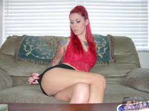 Tattooed Amateur With Red Hair Spreads Her Ass
